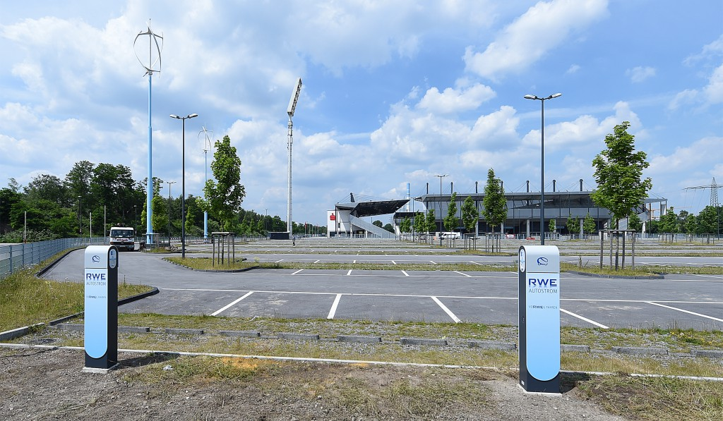 VWT -qr Turbines at RWE Stadion Essen 01